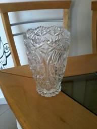 Vaso antigo em cristal