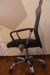 Cadeira Presidente Giratória Preta