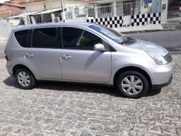 Nissan Livina - Completa FlexFuel - 2010