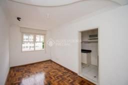 Apartamento para alugar com 3 dormitórios em Petrópolis, Porto alegre cod:328833