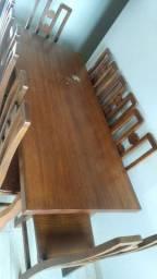 Mesa + 8 cadeiras em madeira 1,86m x 0,82m
