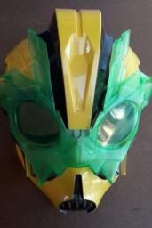 Máscara Transformers Prime Beats Hunters Bumblebee