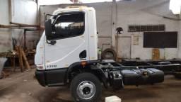 MB. Accelo, 1316, truck, ano 2016 com 24000km originais