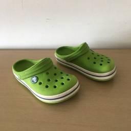 Crocs verde tamanho 28/29