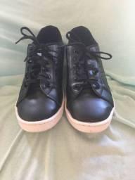 Tênis preto tamanho 36