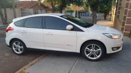 Focus Hatch 1.6 SE Manual