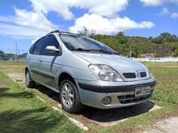 Lindo carro e bem conservado