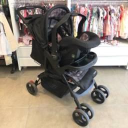 Carrinho de bebê + bebê conforto Moove Cosco