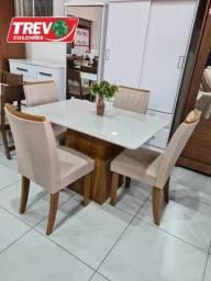 Título do anúncio: Mesa de Jantar Nevada - Com 4 Cadeiras