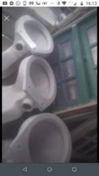 Título do anúncio: Vasos sanitários DECA usados