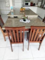 Balcão ilha com mesa
