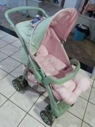 Título do anúncio: Carrinho de bebe menina rosa c verde