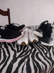 Vendo dois tênis e mas um tênis bota bem conservado um por 40 reais leia a descrição