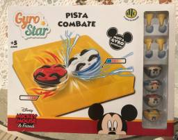 Pista combate mickey mouse