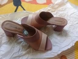 Sapato em courino tamanho 34