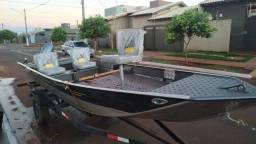 Título do anúncio: Barco 5.5 m com motor partida elétrico