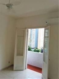 Título do anúncio: Excelente Apartamento com Varanda e Garagem Suficiente no José Menino em Santos -SP