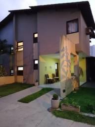 Casa em Condomínio no Antares