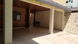 Excelente casa em 2 planos para comercio ou residência com 5 suítes em Parnamirim