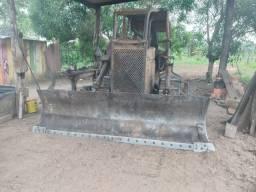 Trator esteira AD7B Vendo ou troco, por carregadeira ou trator de pneu.