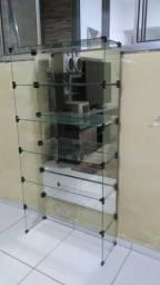Prateleira de vidro temperado espelhada no fundo com 5 compartimento