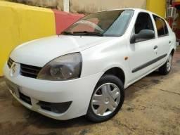 Clio Sedan 2006/2006 com Ar Condicionado e Direção Hidráulica - 2006