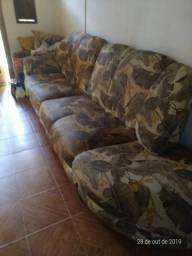 Sofá bem conservado