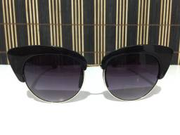 (Aceito cartão) Óculos solar unissex modelo gatinho - Lente: Preta Degradê com UV400