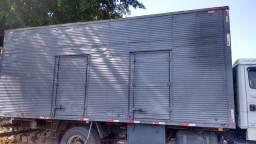 Baú 7 metros caminhão toco