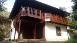 Casa muito bem localizada em área nobre de Itaipava