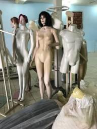 Manequins, balcões, vidros, etc