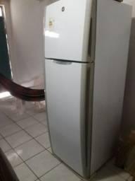 Vendo Geladeira 470 litros