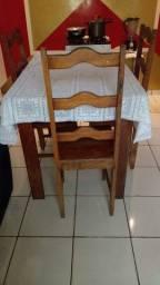 Título do anúncio: Mesa com quatro cadeiras de angelim