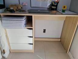 Escrivaninha da Tok Stok