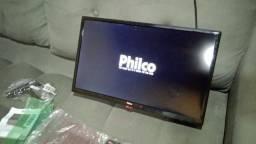 Tv philco 22 polegadas  novinha 4 semanas  de uso...