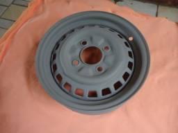 Título do anúncio: roda original  4 furos p/ fusca c/ encaixe de calota
