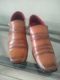 Sapato social número 40 $ 15.00