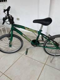 Título do anúncio: Bicicleta aro 20,pouquíssima usada.