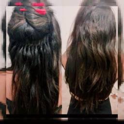 Aplicação  de mega-hair.