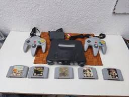 Título do anúncio: Nintendo 64 completo 2 completos + 5 jogos originais
