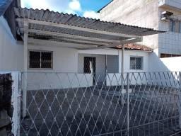 Aluga-se casa em ouro preto Olinda, rua Onça quadra c13 n07