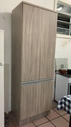 Armário grande de cozinha