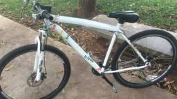Bicicleta aro 29 com freio a disco