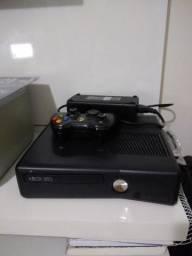 Xbox 360 + 18 jogos originais + 2 controles + 1 kinect