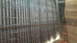 Vendo 2 triliça de 6 metros cada e 3 barras de ferros de 1/4 de 4 metros cada