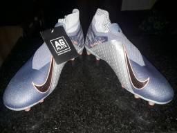 Vendo Chuteira Nike Phatomvns, número 42. Chuteira primeira linha