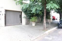 Casa com 5 quartos - Bairro Setor Marista em Goiânia