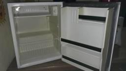 Vendo microondas, frigobar, bebedouro