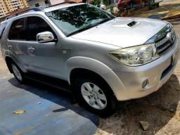 Toyota Hilux SW4 - 2011