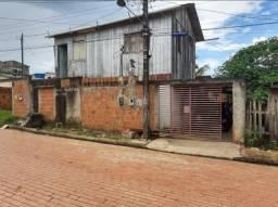 Vendo uma casa localizada no bairro Tancredo Neves